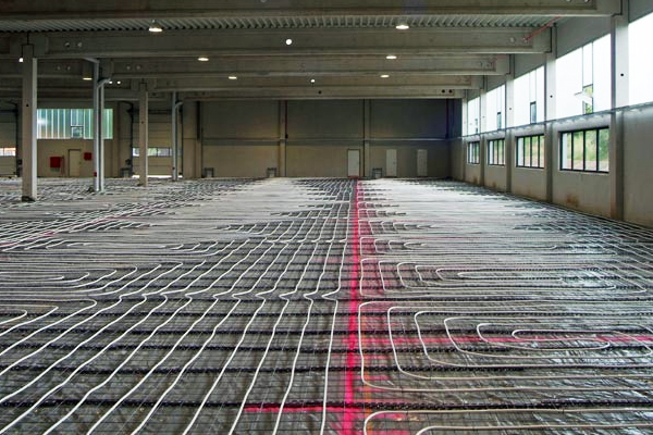 Underfloor heating in a warehouse