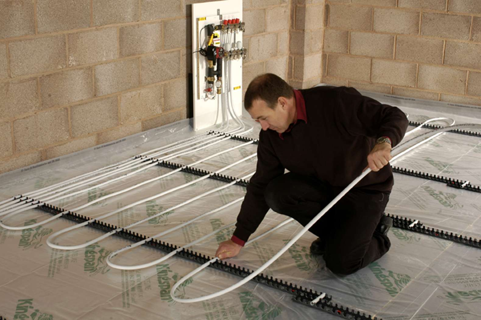 system and the process of installing underfloor heating is different #B49917