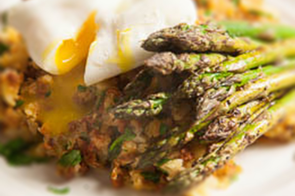 new potato & chorizo hash with asparagus & poached egg 600x400